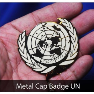 METAL CAP BADGE UN