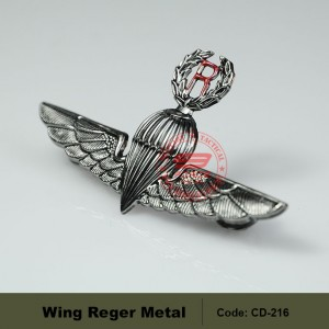 MILITARY WING REGER, HIGHT QUALITY. (CD216)